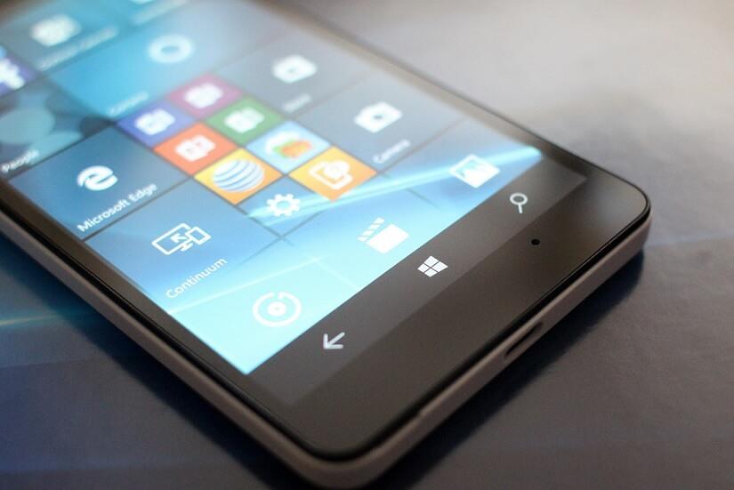 Microsoft is not killing the Windows 10 Mobile Insider program