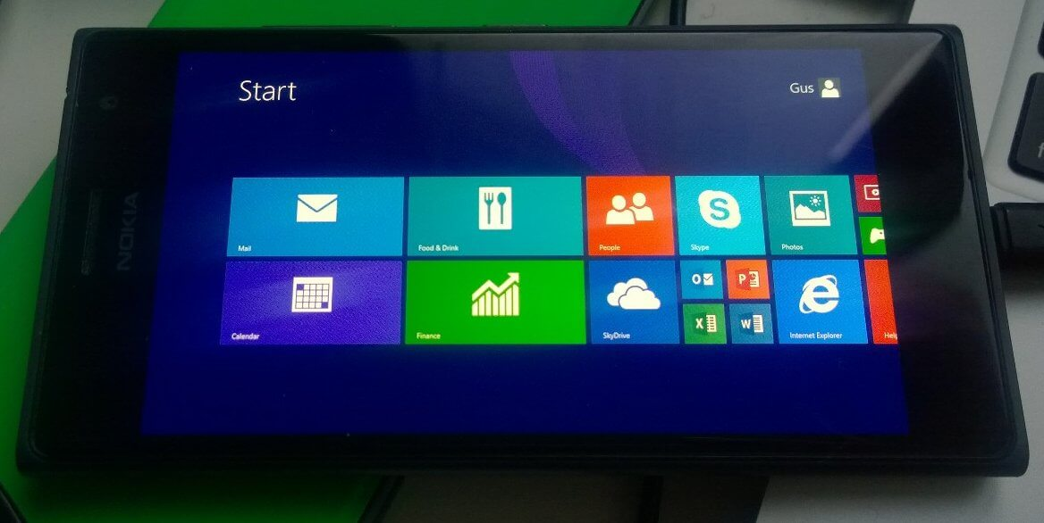 Lumia 735 with Windows RT