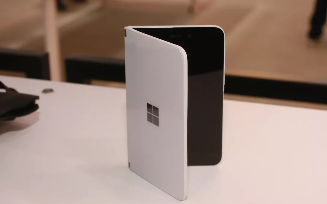 Surface Duo form factor
